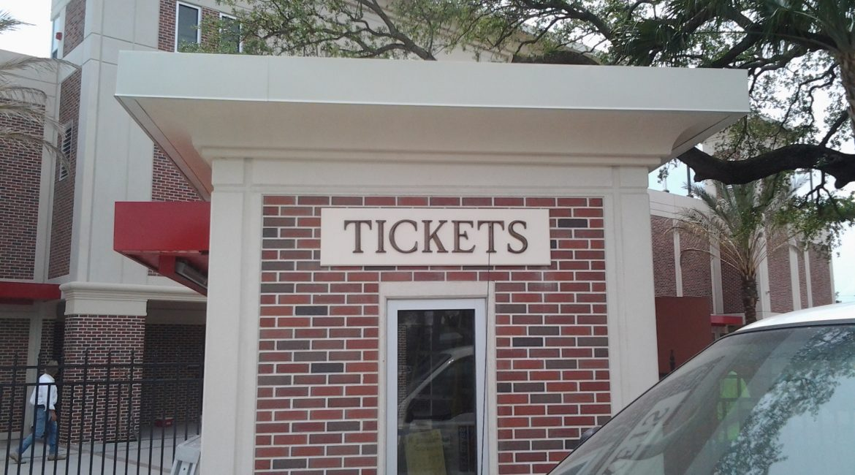 UT-Naimoli-tickets-sign
