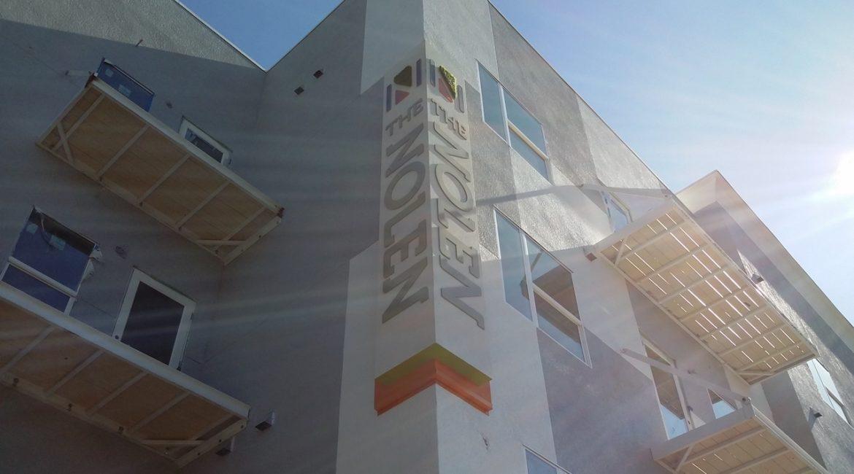 nolen vertical exterior closer